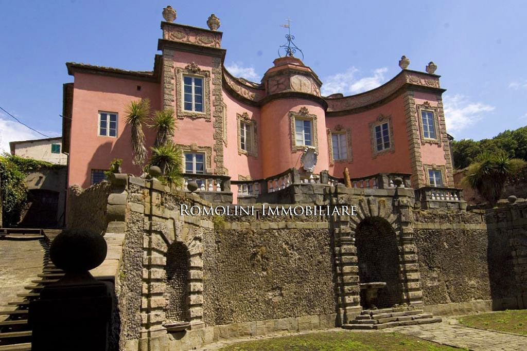Luxury real estate   Villa Garzoni Pinocchio, Romolini Immobiliare   Finest Residences