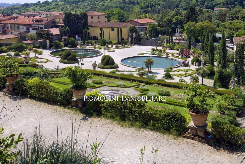 Luxury real estate | Villa Garzoni Pinocchio, Romolini Immobiliare | Finest Residences
