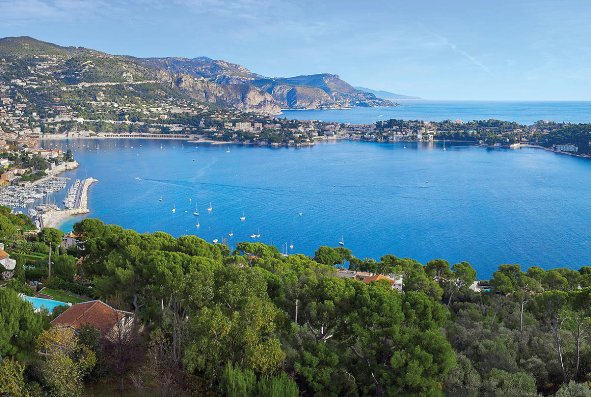 Luxury real estate in Nice | Chateau La Cima | Côte d'Azur Sotheby's International Realty • Peter Illovsky | Finest Residences