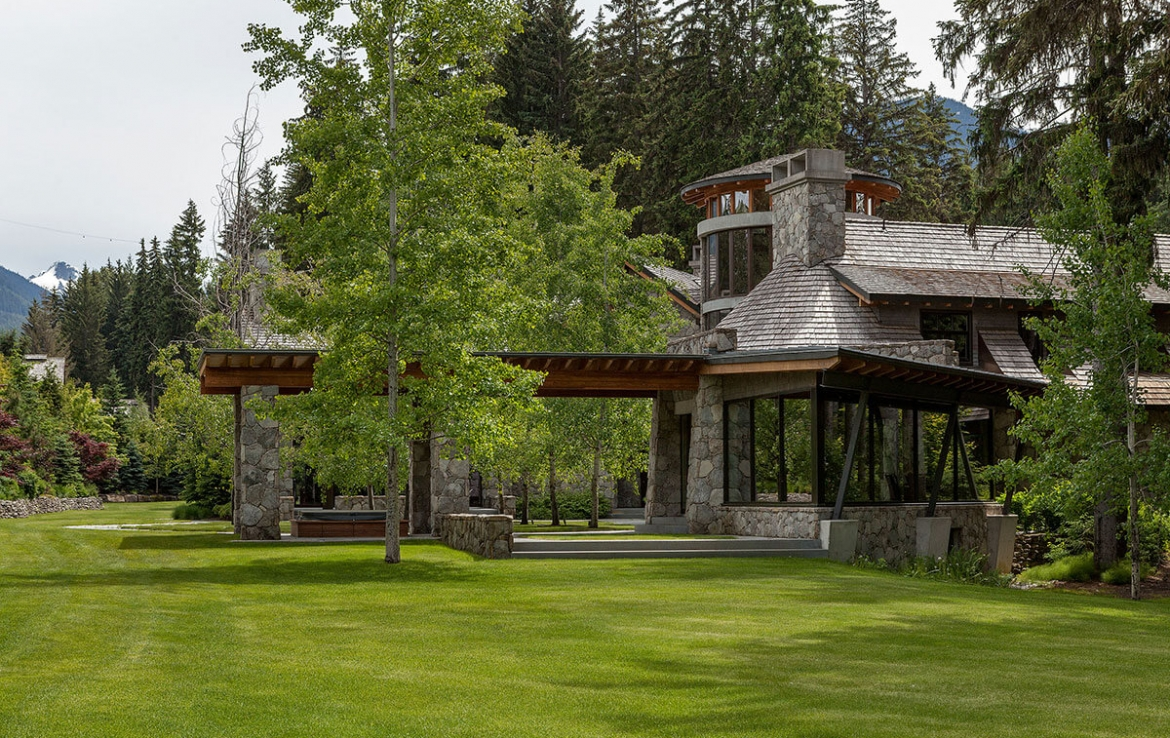 Whistler Estate, Exterior | Vancouver luxury real estate | Harvey Kardos | Finest Residences