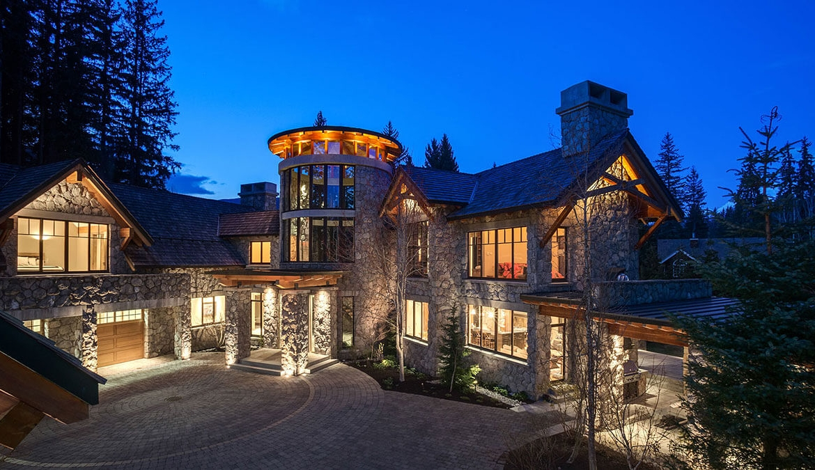 Whistler Estate, Night | Vancouver luxury real estate | Harvey Kardos | Finest Residences
