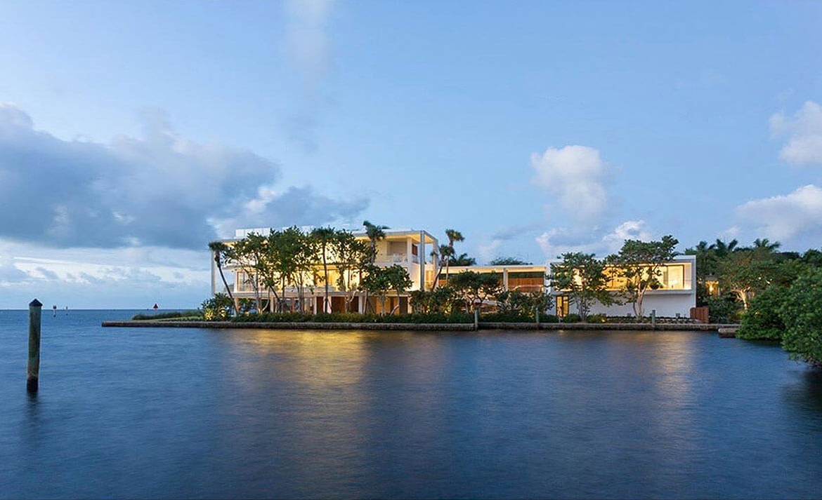 Casa Bahia, Waterfront home in Miami | Luxury Real Estate Miami | Pablo Alfar • Douglas Elliman | Finest Residences