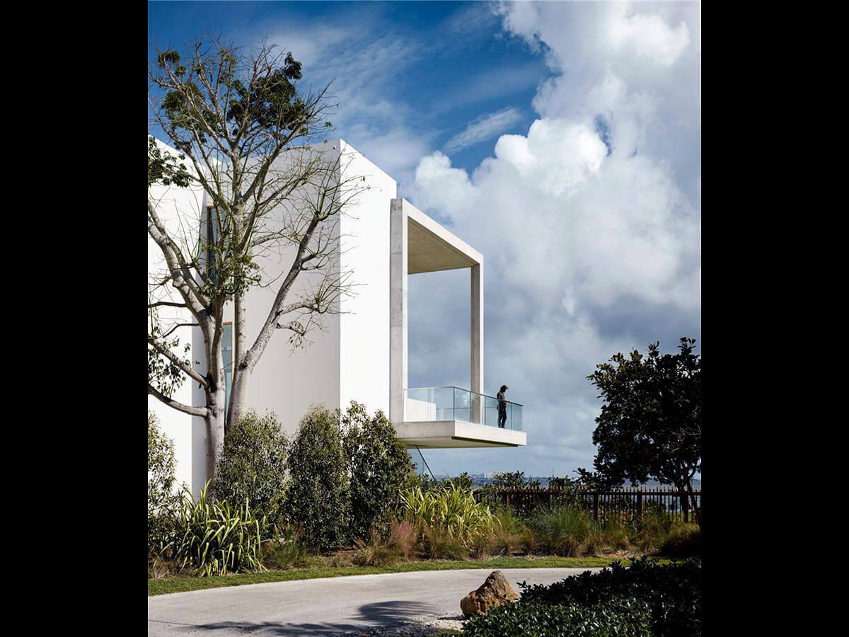 Casa Bahia, Waterfront home in Miami | Luxury Real Estate Miami | Pablo Alfar • Douglas Elliman | Finest Residences