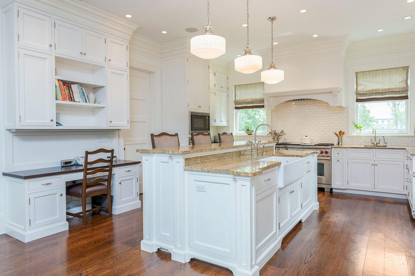 Horse farm, Greenwich CT, USA | Kitchen | Presented by Sally Slater, Douglas Elliman | Finest Residences