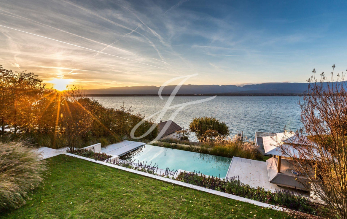 Luxury Waterfront Property in Geneva Left Bank, Switzerland for sale | John Taylor Switzerland | FINEST RESIDENCES