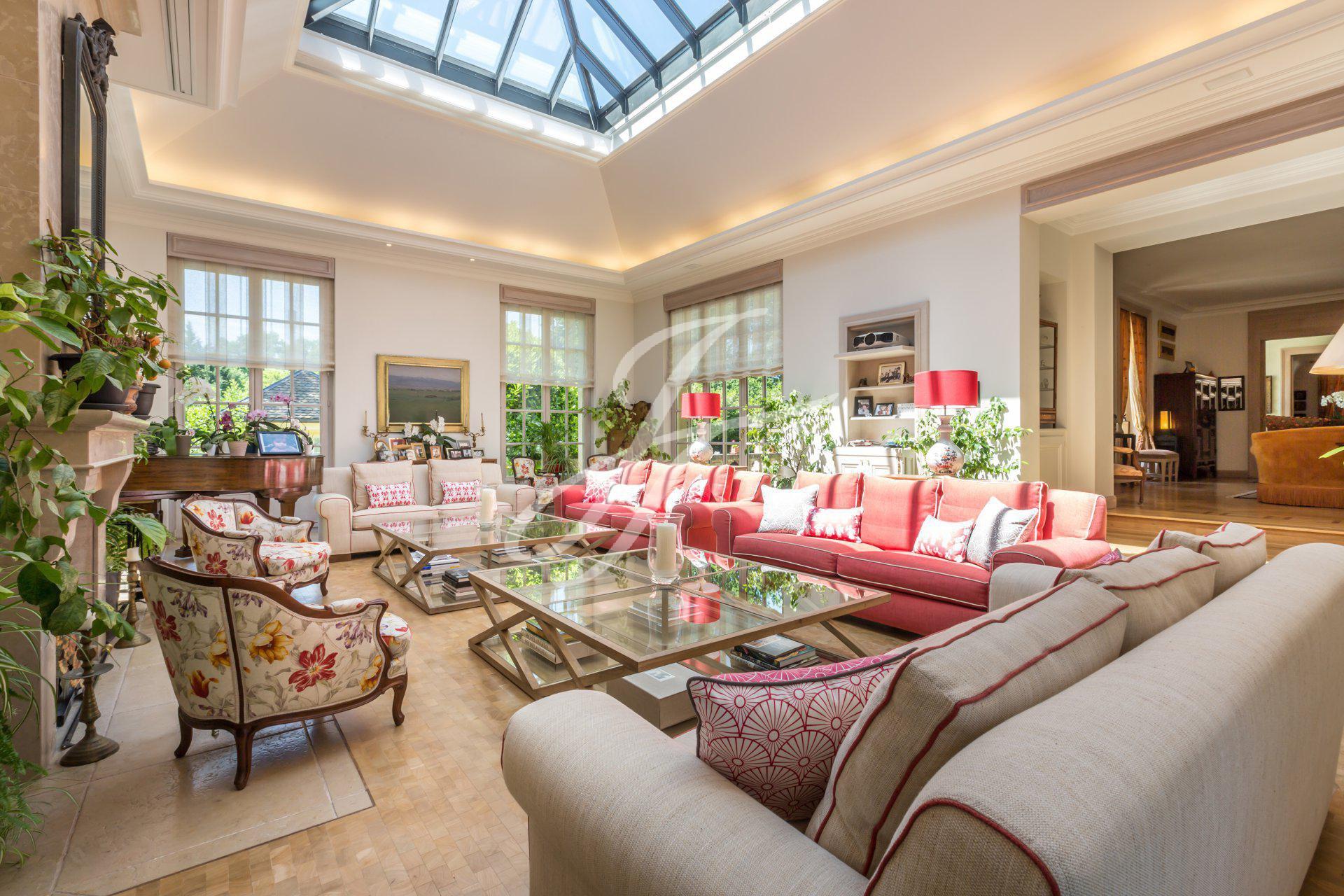 Villa de luxe à vendre à Chêne-Bougerie, Genève, Suisse  John Taylor Switzerland  FINEST RESIDENCES