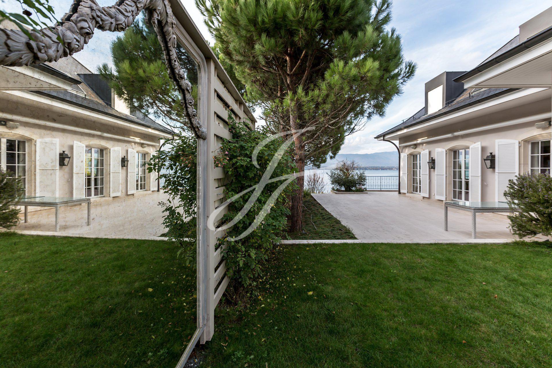 Villa de Luxe à vendre à Genève Rive Gauche, Anières, Suisse |John Taylor Switzerland | FINEST RESIDENCES