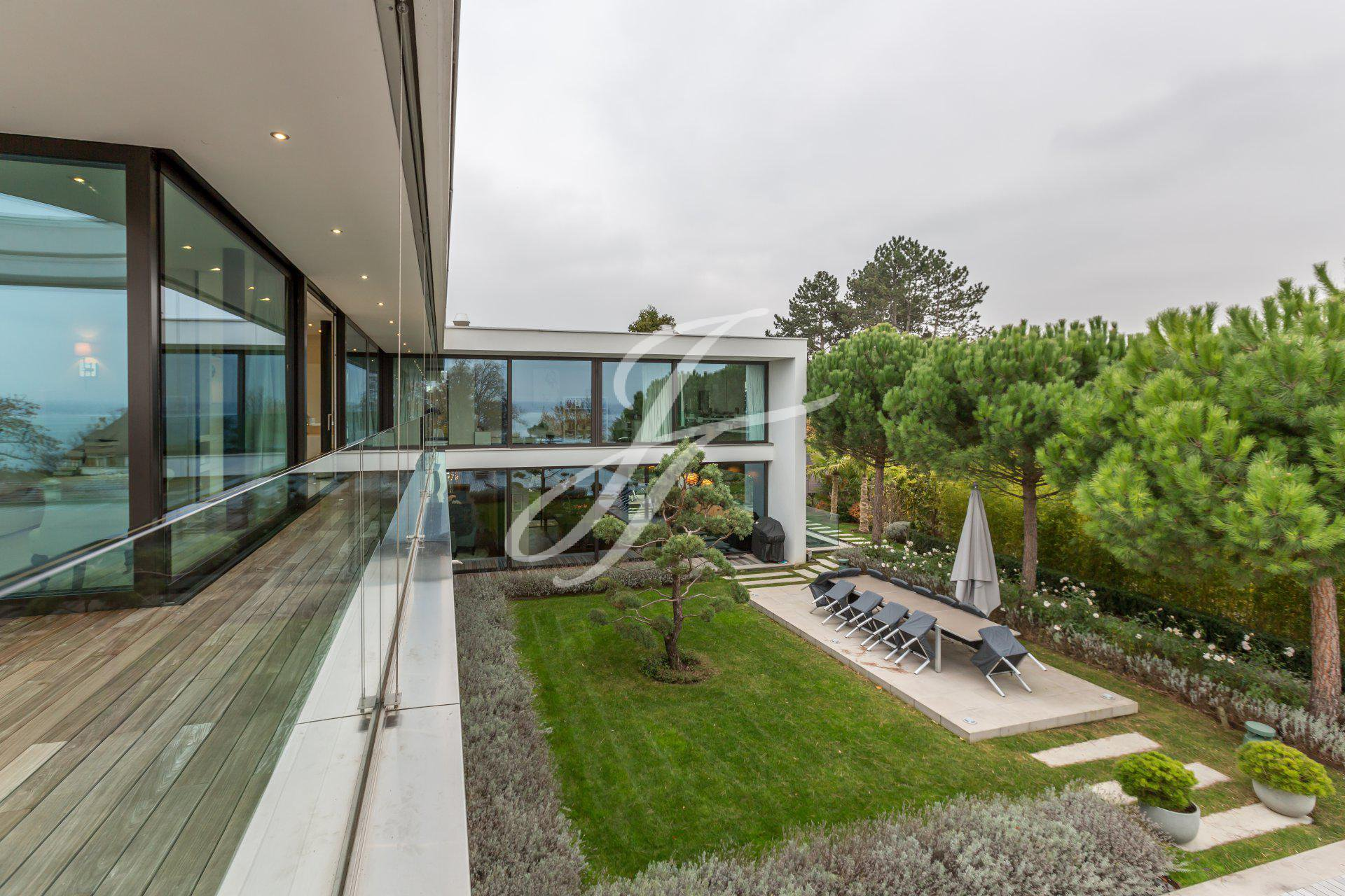Sumptuous contemporary villa for sale in Anières, Switzerland |FINEST RESIDENCES