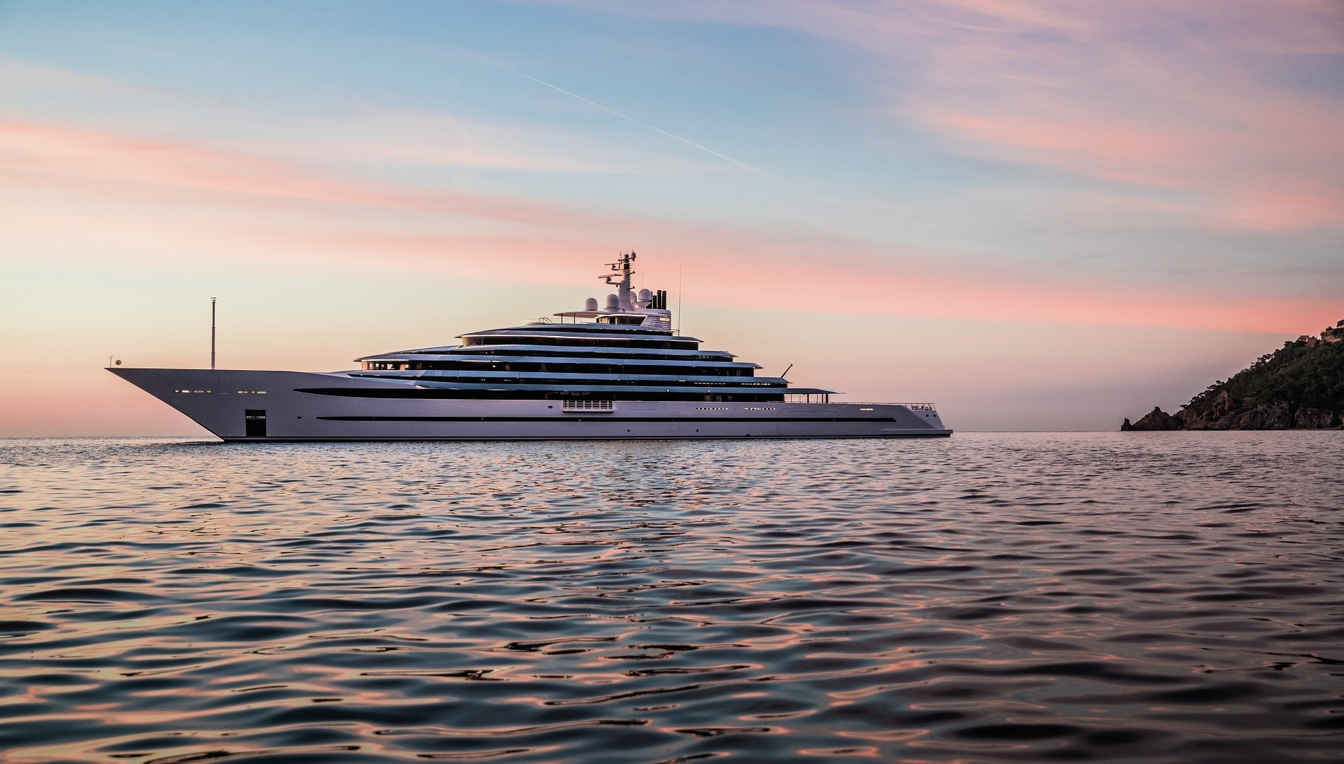 Superyacht Jubilee, by Oceanco | Finest Residences