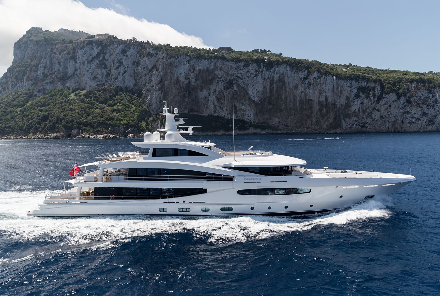 M/Y 57.3m / 188ft Volpini 2, Amels 188 | Finest Residences
