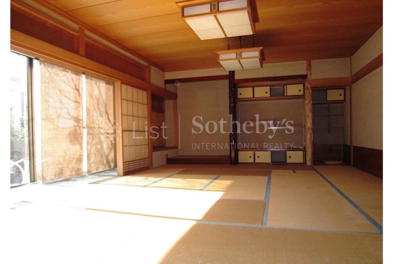 Kugahara House, luxury home in Ota-Ku, Tokyo, Japan | A Room | Sotheby's International Realty | Finest Residences