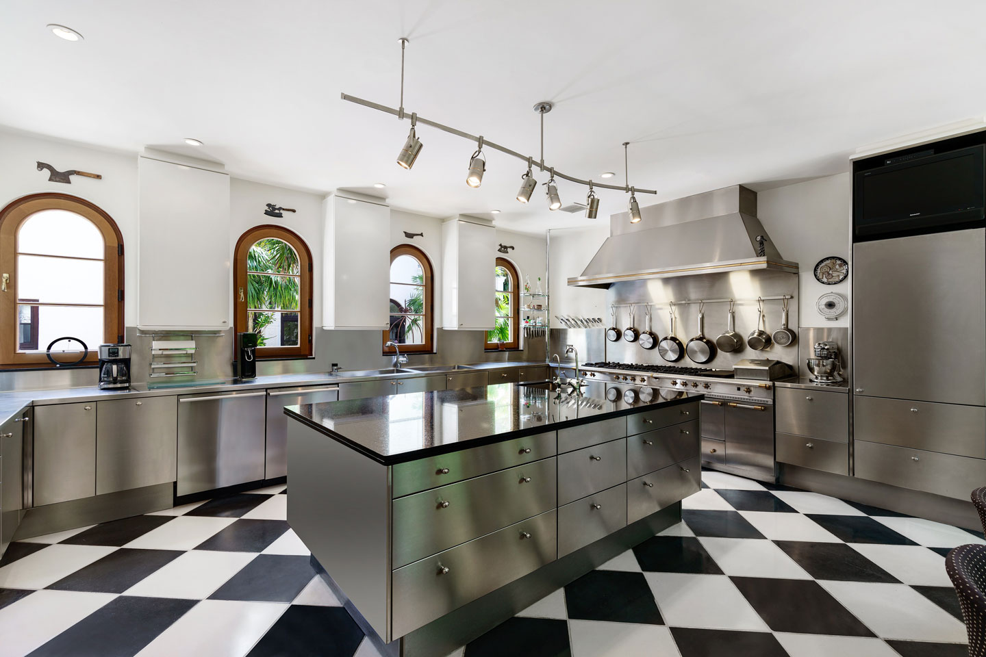 3725 Leafy Way, Coconut Grove, Miami, Florida, USA | The Kitchen | Listed by Dennis Carvajal, Real Estate Agent, ONE Sotheby's International Realty | Finest Residences