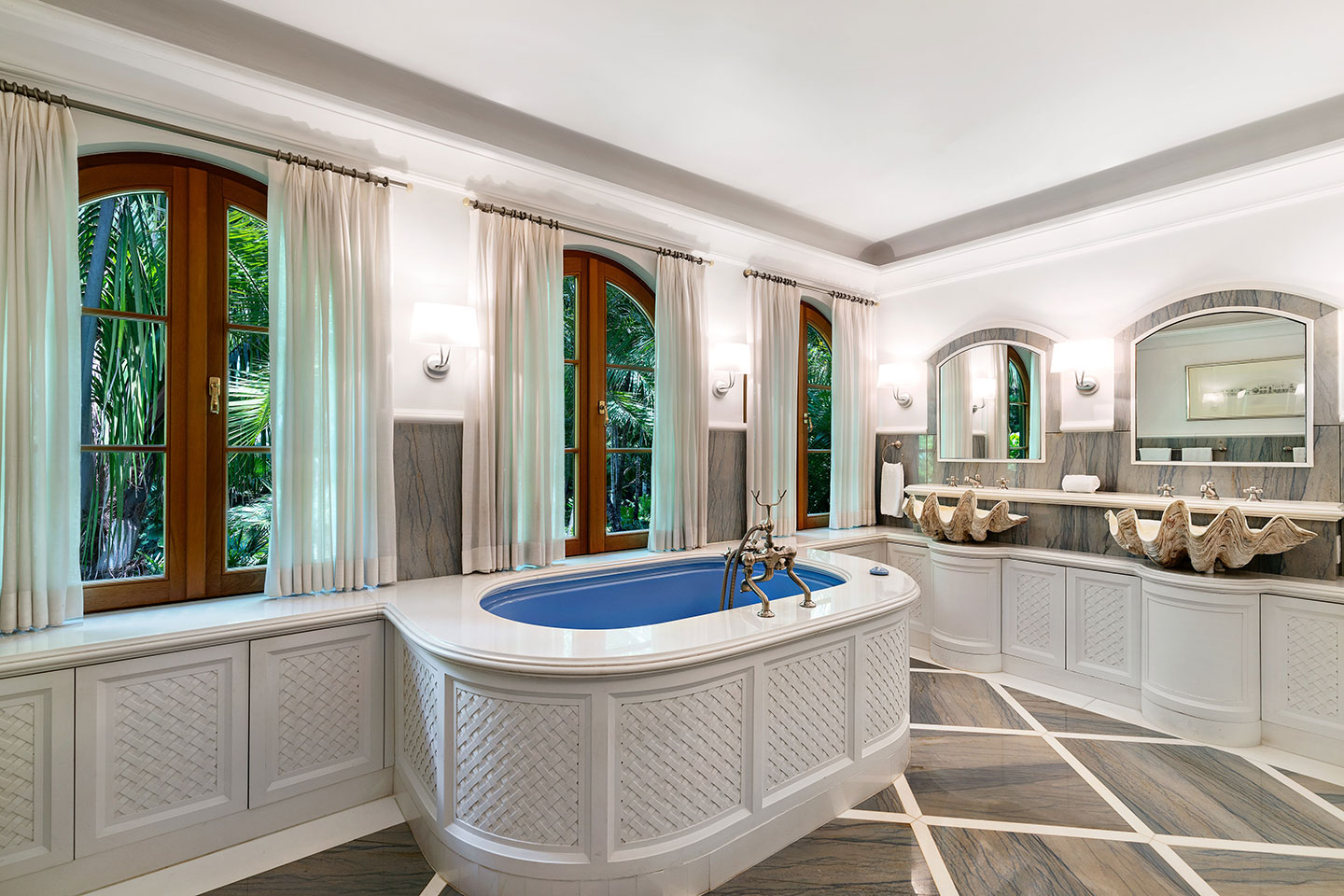 3725 Leafy Way, Coconut Grove, Miami, Florida, USA | A Bathroom | Listed by Dennis Carvajal, Real Estate Agent, ONE Sotheby's International Realty | Finest Residences