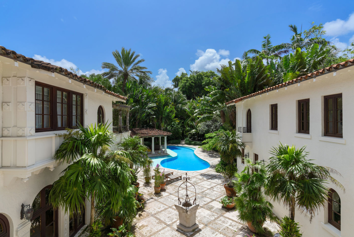 3725 Leafy Way, Coconut Grove, Miami, Florida, USA | A Pool View | Listed by Dennis Carvajal, Real Estate Agent, ONE Sotheby's International Realty | Finest Residences