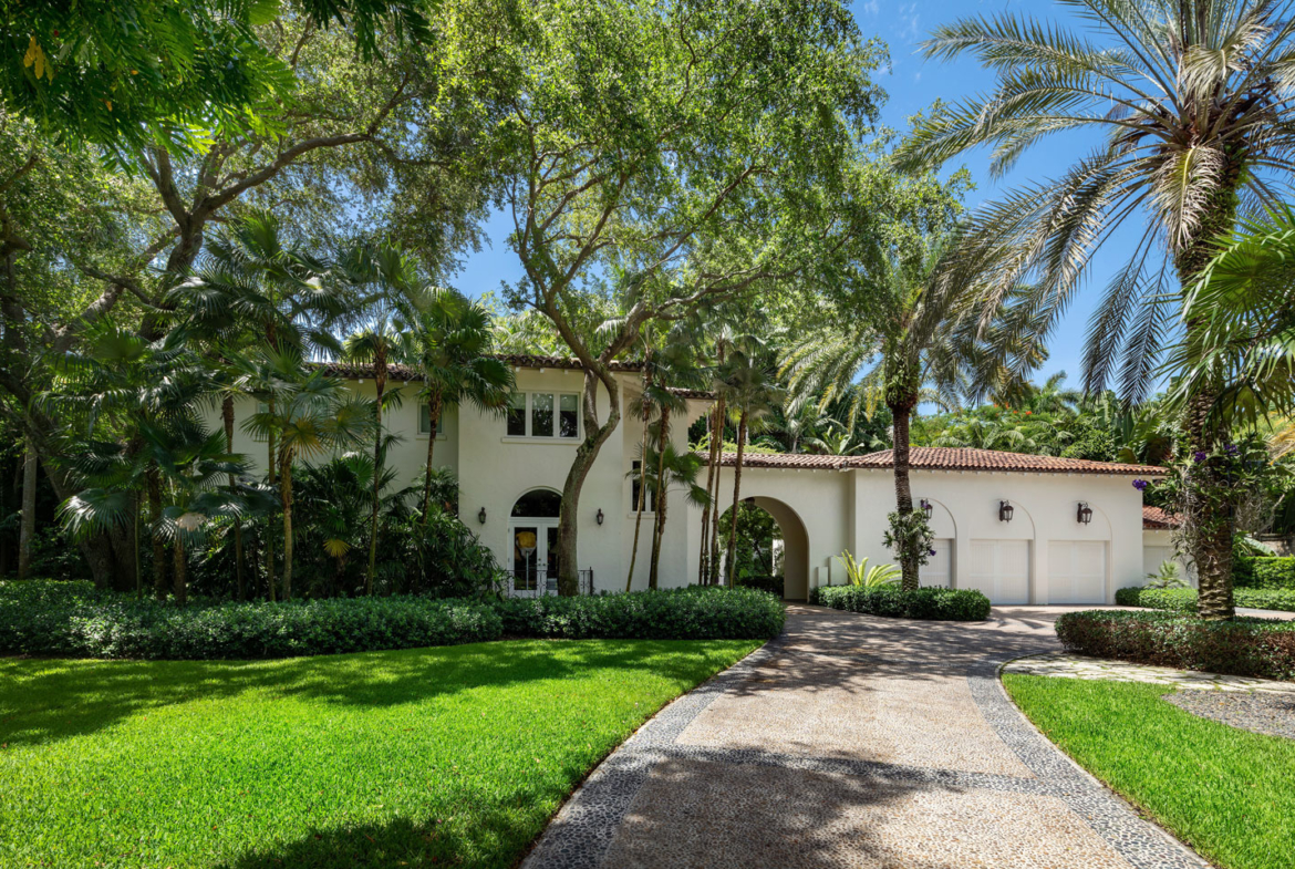 3725 Leafy Way, Coconut Grove, Miami, Florida, USA | Alley | Listed by Dennis Carvajal, Real Estate Agent, ONE Sotheby's International Realty | Finest Residences