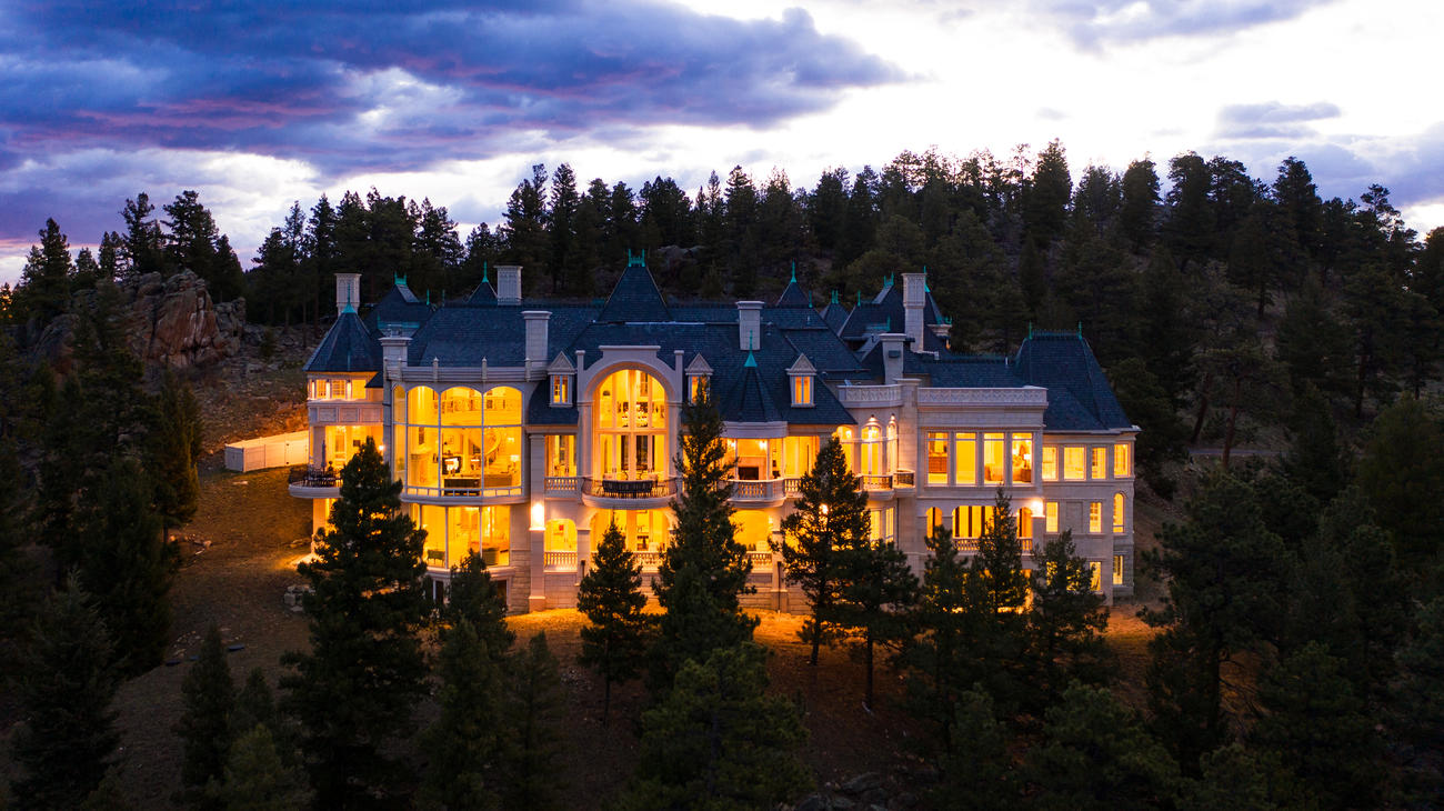 Chateau V, Evergreen, Colorado, USA | Listed by Whitney Cain & Jennifer Davenport | Liv Sotheby's International Realty | A Finest Residences Selection