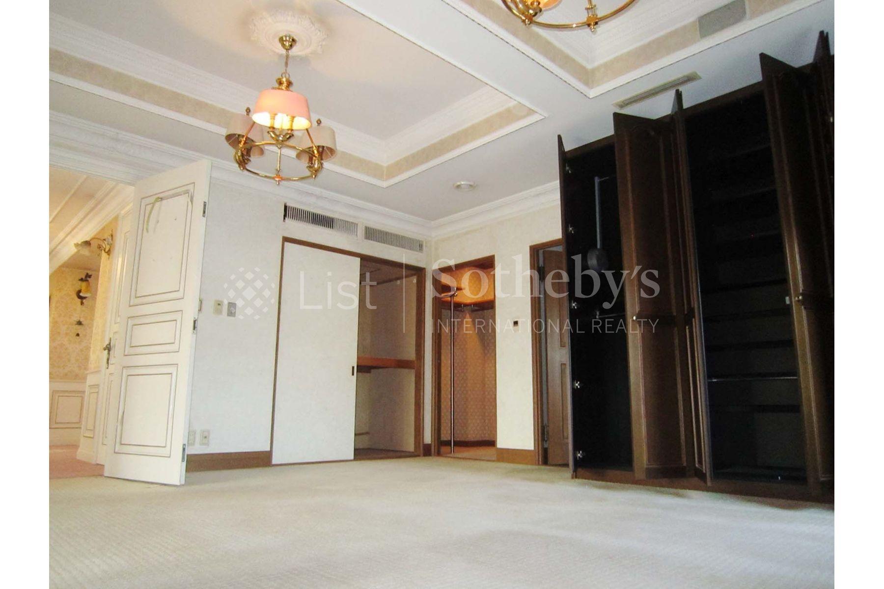 Kugahara House, luxury home in Ota-Ku, Tokyo, Japan | A Bedroom | Sotheby's International Realty | Finest Residences