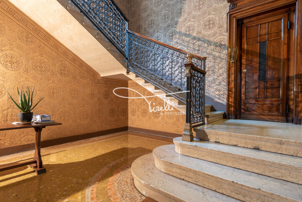 Luxury 2 beds in Milan, Via Carducci, Italy • Listed by TIRELLI AND PARTNERS |Tirelli and Partners is a Luxury Broker Partner of FINEST RESIDENCES